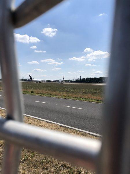 Parkende Flugzeuge 2