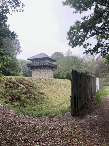 Römerturm und Limes