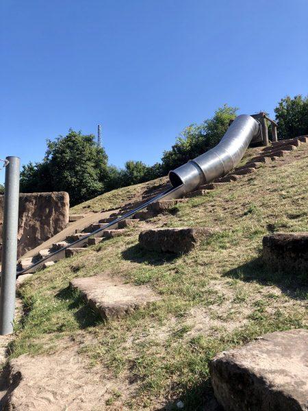 Tunnel-Rutsche